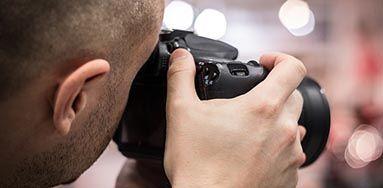 Fényképész / Videó operatőr